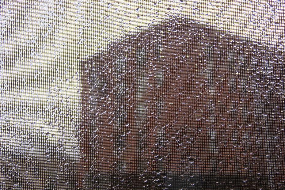 За окном январь.