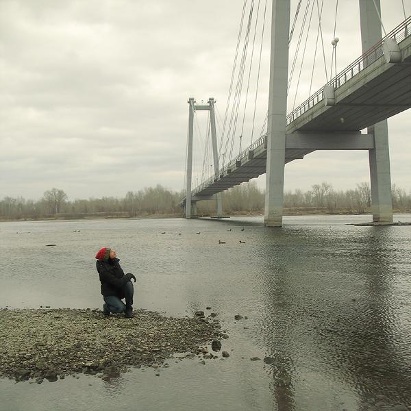 Осенняя прогулка под мостом.